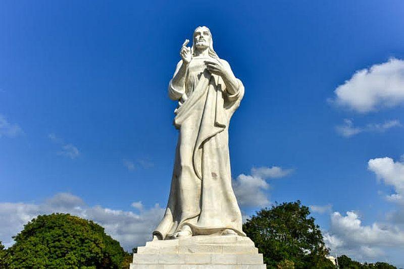 Dónde está El Cristo de La Habana.