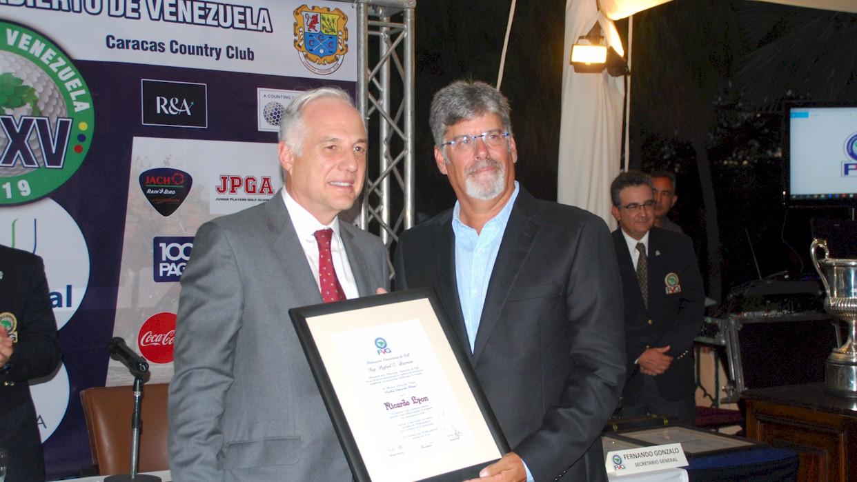 Ricardo Lyon gerente de deportes del Caracas Country Club